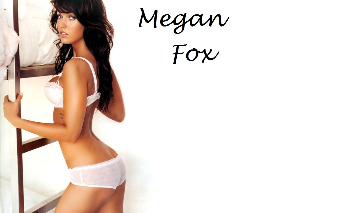 sexy+Megan+Fox Romantic porn picture of a woman covered in sand and having sex on a beach.