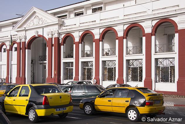 http://www.diariosdeunfotografodeviajes.com/2014/06/dakar-la-capital-del-senegal.html