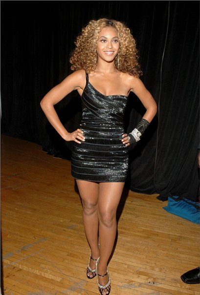 Beyonce in the little black dress: Celebrities best little black ...