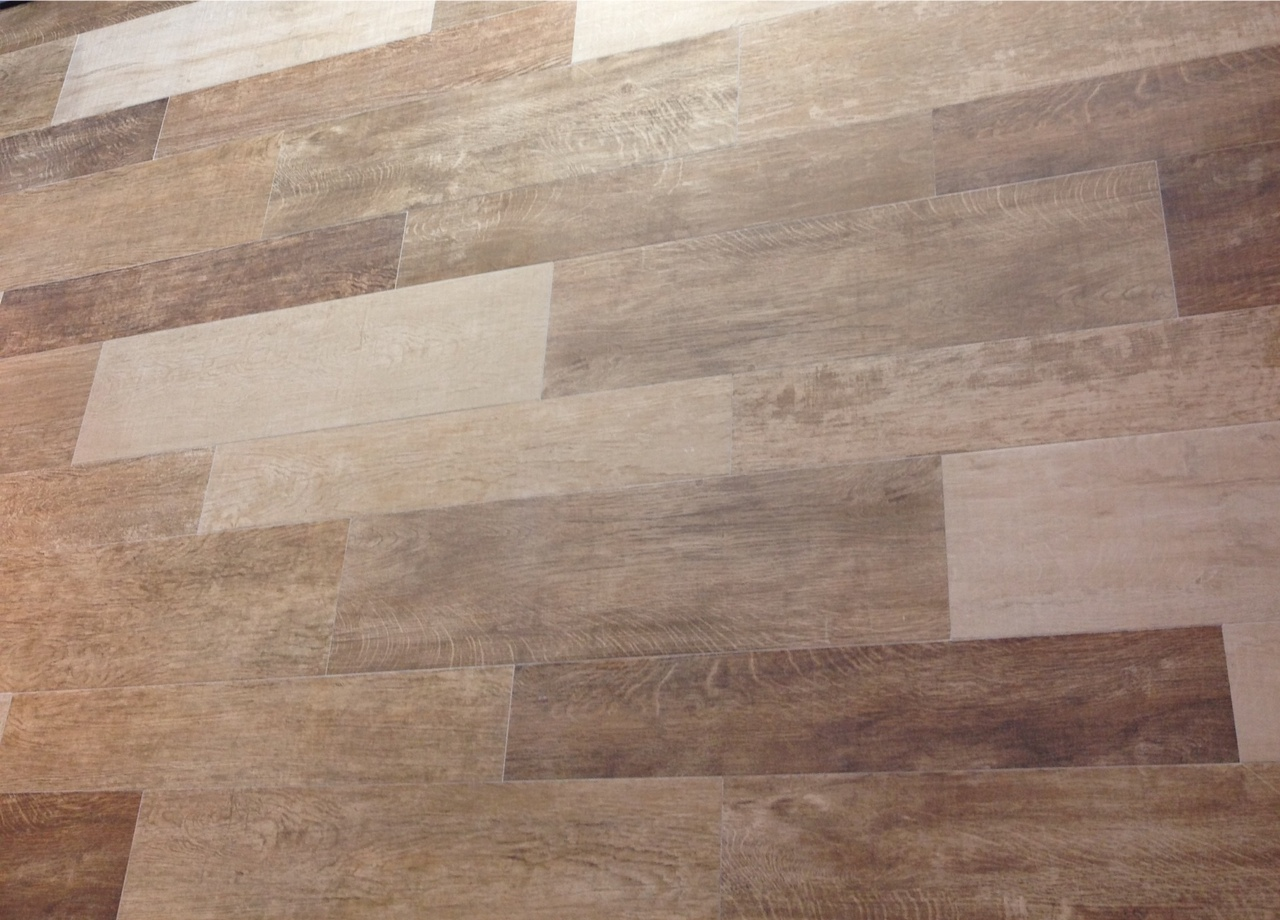 Gold notes cevisama 2012 top trends from spanish tile and bath show - Wood looking tile ...