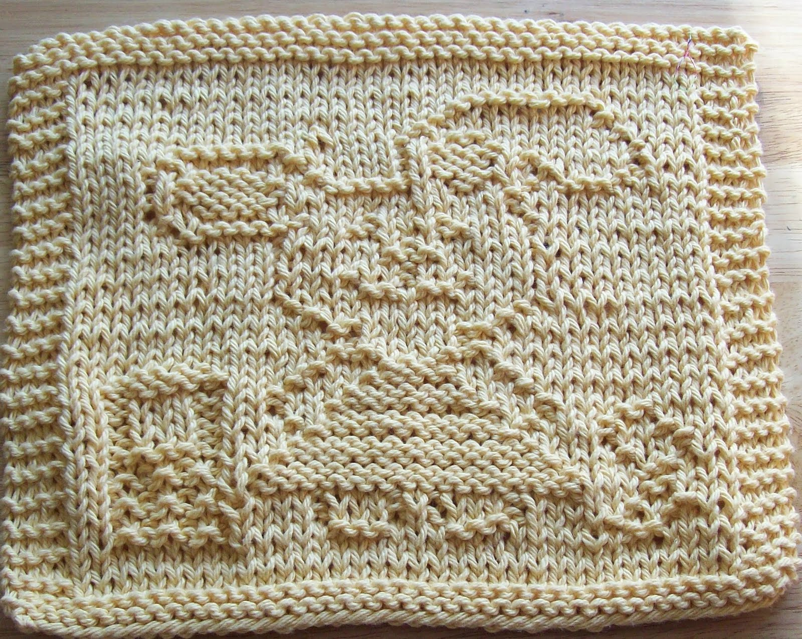 Knitted Dishcloth Patterns For Easter : DigKnitty Designs: Bunny in a Dress Knit Dishcloth Pattern