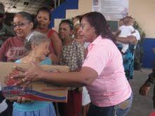 Plan Social de la Presidencia distribuye miles de canastas navideñas en SC
