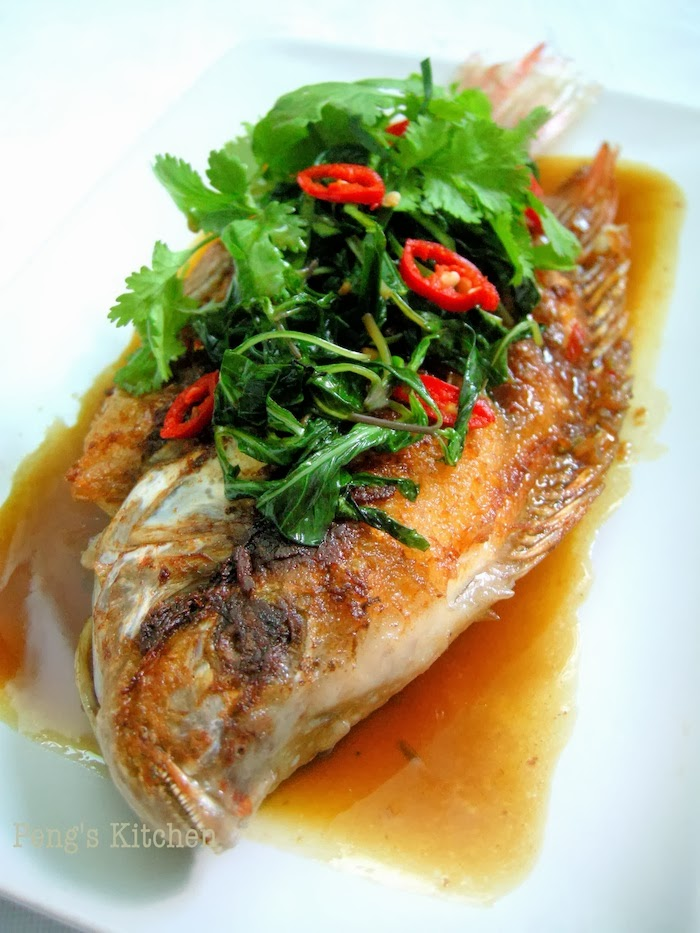 Peng 39 s kitchen thai fish with three flavoured sauce pla for Thai fish recipe
