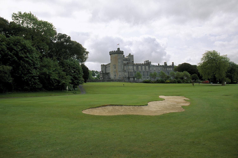 http://1.bp.blogspot.com/-IWWPvUHzi2Q/TePPwa7GLCI/AAAAAAAABYU/LKlL6d6v63E/s1600/Dromoland-Castle---Ireland-castles-322124_1500_995.jpg