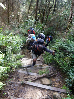 MOUNT KINABALU EXPEDITION 2011.