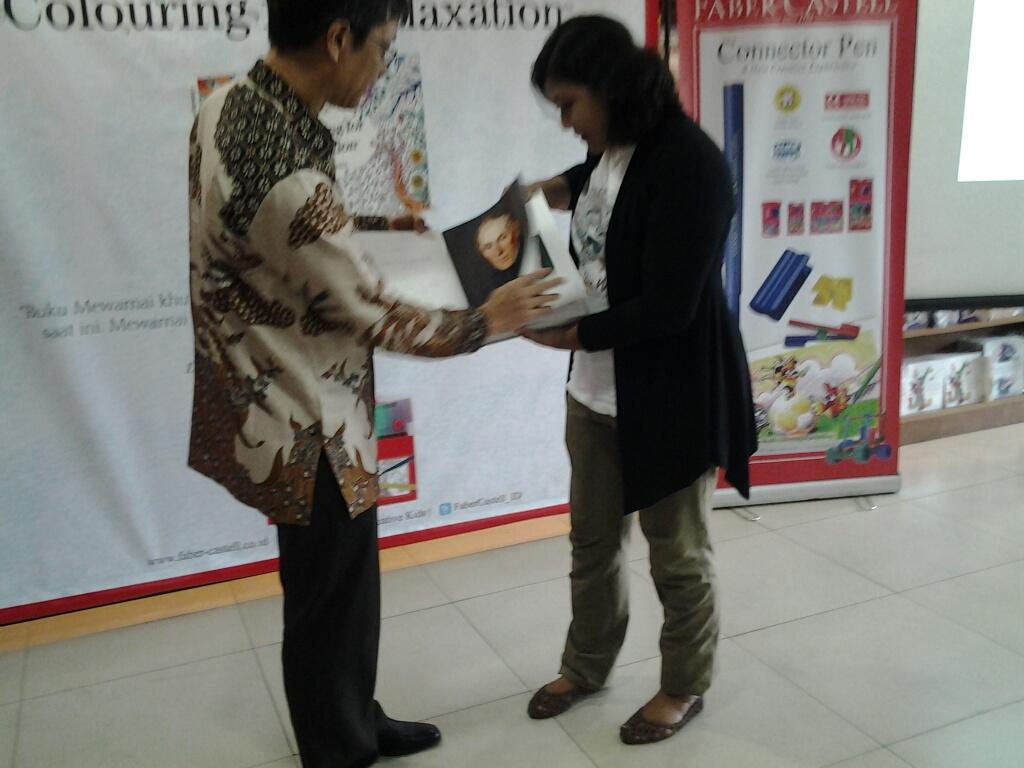 Akhir Oktober 2015 Managing Director Faber Castell International Indonesa Yandramin Halim Mengatakan Bahwa Gagasan Menerbitkan Buku Ini Seiring Dengan