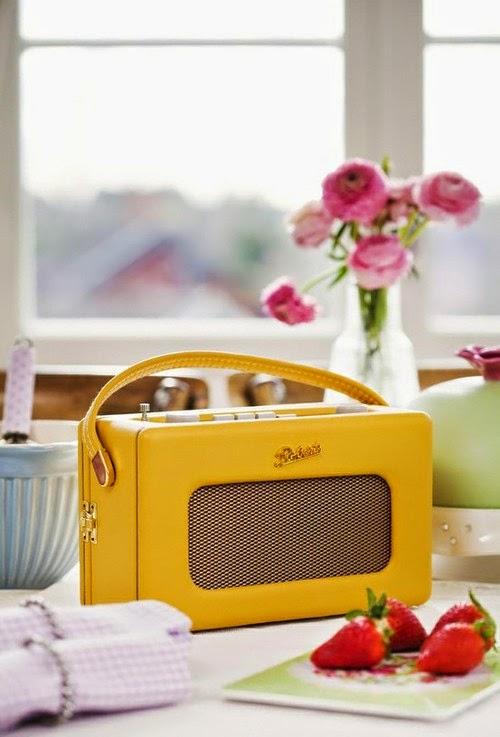 żółte radio