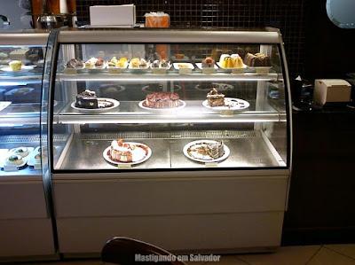 Café Feito a Grão: VItrine de Doces