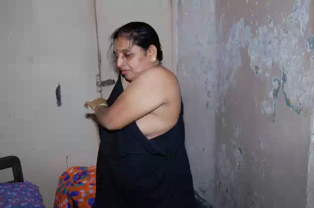 desi prostitute old age aunty nude body for money   nudesibhabhi.com