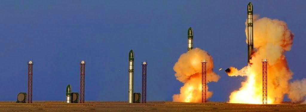 """Rússia apresenta míssil RS-28 Sarmat """"Satan 2"""""""