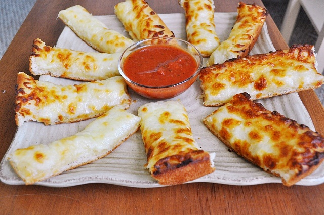 Little B Cooks: Chronicles from a Vermont foodie: Cheesy Bread Sticks