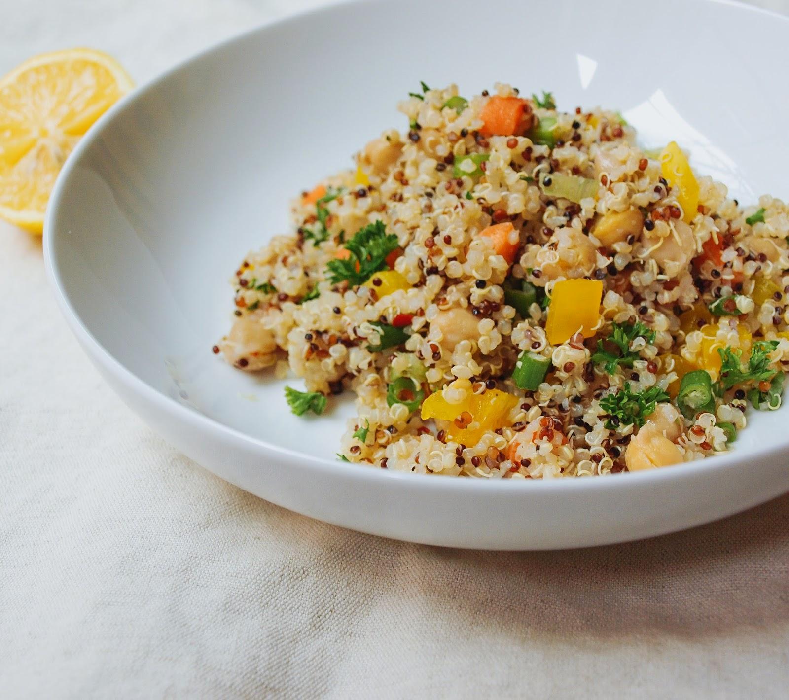 THE SIMPLE VEGANISTA: Quinoa + Chickpea Salad
