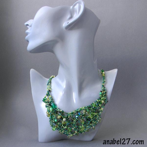 зеленое фриформ -колье из бисера freeform beaded necklace