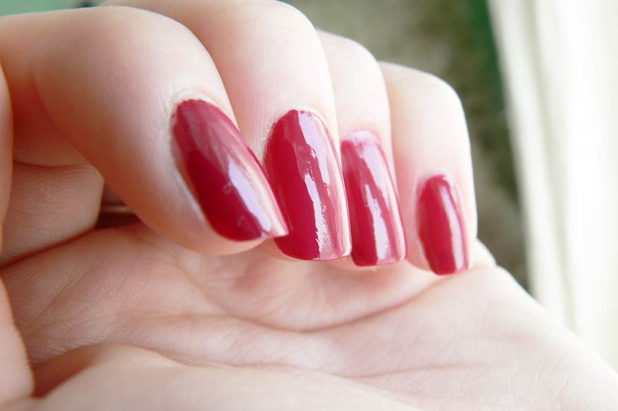 Avon Gel Finish Perfectly Plum