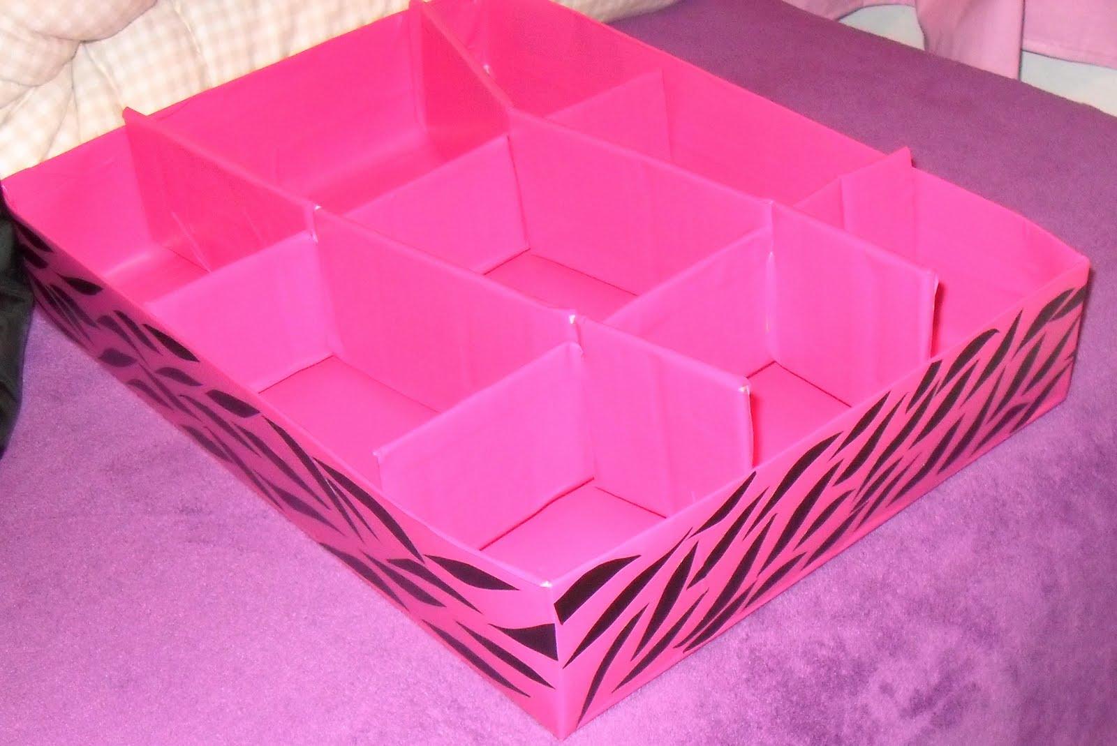 Coisas Femininas!: Organizador de Gavetas Feito em Casa #C9026B 1600x1069