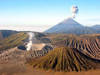 objek wisata gunung bromo indonesia