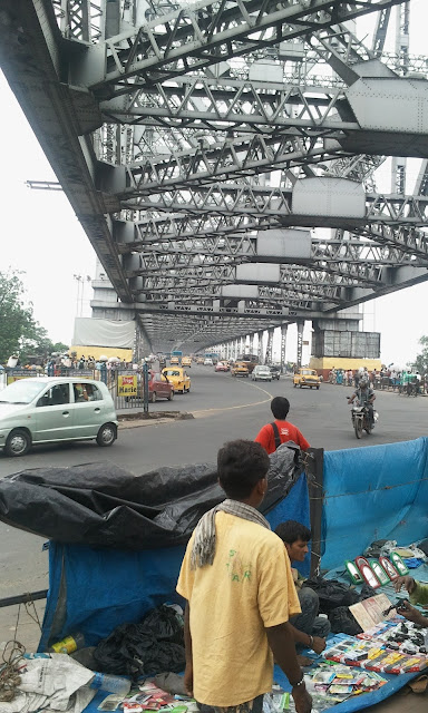 நகரும் நகரம், Bridge