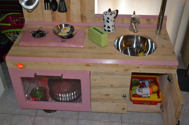 Mammarum come costruire una cucina per bambini di legno - Mobiletti fai da te ...