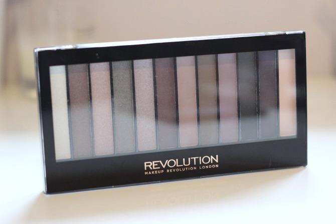 Makeup Revolution romantic smoked palette