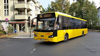 Bus: Bei der BVG kommen die Fahrgäste bald in den Anhänger  Ziemlich flexibel, aber auch ganz schön lang: Die BVG testet im kommenden Jahr einen Buszug aus München. Bislang wollte sie von den seltsamen Gefährten eigentlich nichts wissen., aus Berliner Morgenpost