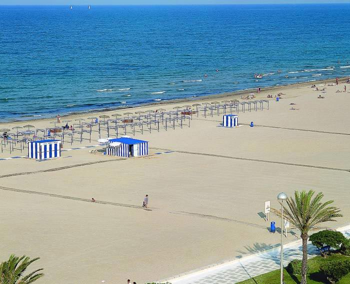 Playas de espa a playa de gandia for Hotel familiar valencia playa
