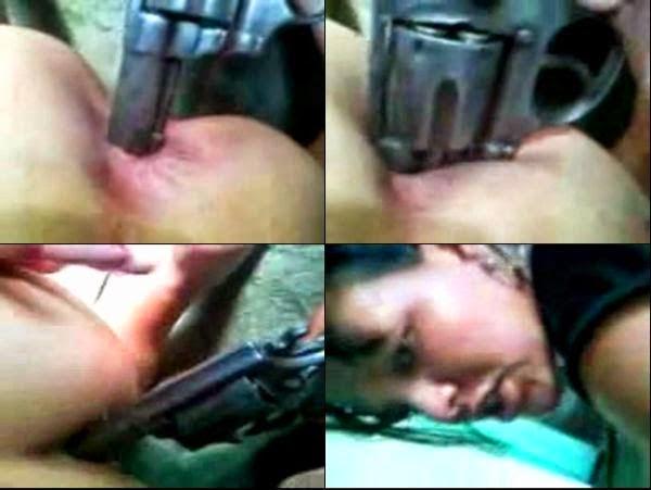 Mulher de Bandido Gozando com Revolver no Cu