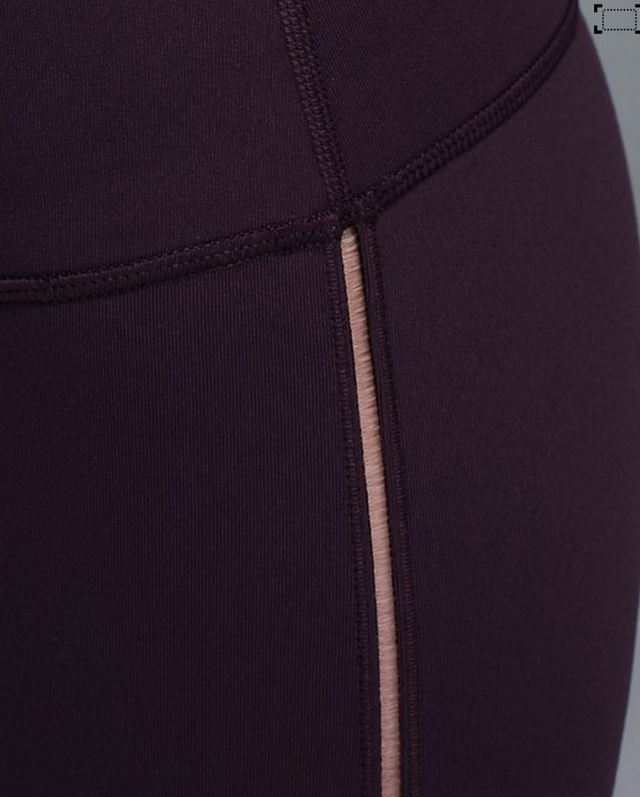 http://www.anrdoezrs.net/links/7680158/type/dlg/http://shop.lululemon.com/products/clothes-accessories/pants-yoga/High-Times-Pant?cc=17311&skuId=3600656&catId=pants-yoga&CID=cj