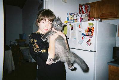 Foto cewek manis dan kucing manisnya