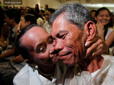image 3 Foto Pernikahan Massal di Hari Valentine
