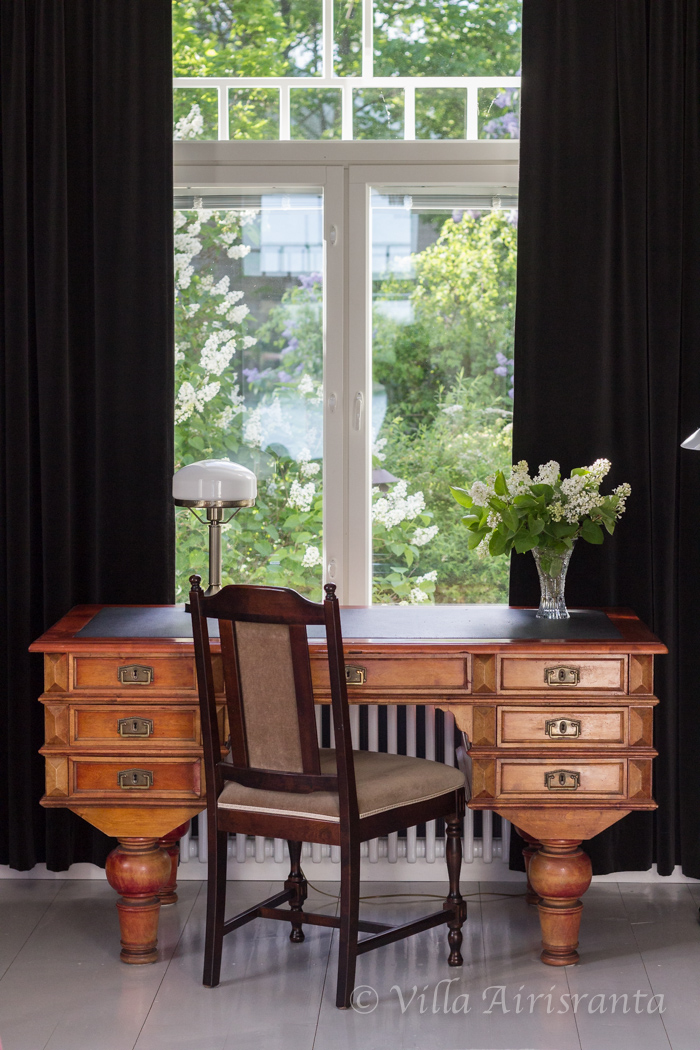 vanha kirjoituspöytä, antiikki, maalaisromanttinen