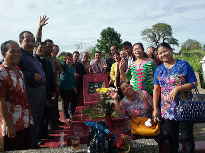 Keluarga besar HKIP tampak gembira, dapat melaksanakan safari jiarah ke tokoh - tokoh HKIP di Siantar dan Sipahutar, dalam rangka merayarkan pesta Syukuran HKIP ke 25 tahun