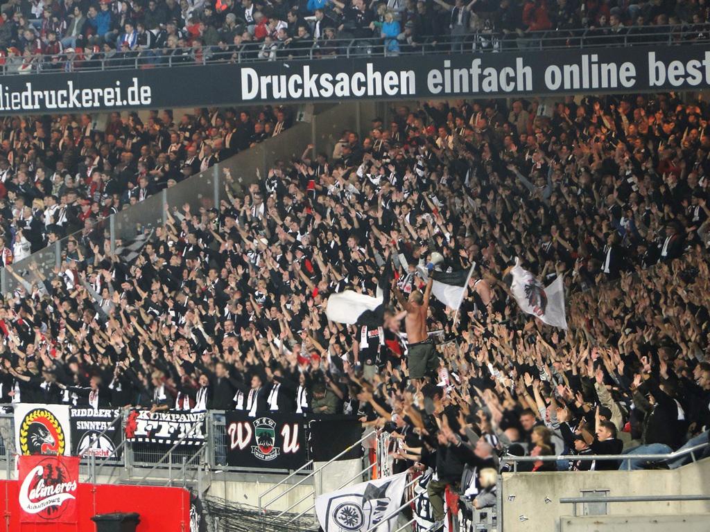 Le Mouvement en Allemagne . - Page 3 1FC_Nuernberg-Eintracht_Frankfurt12-13_12