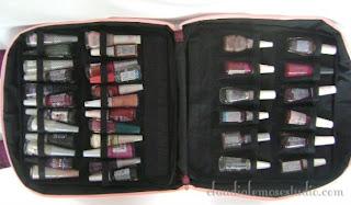 Parte interna - modelos para até 120 ou até 48 frascos de esmaltes.