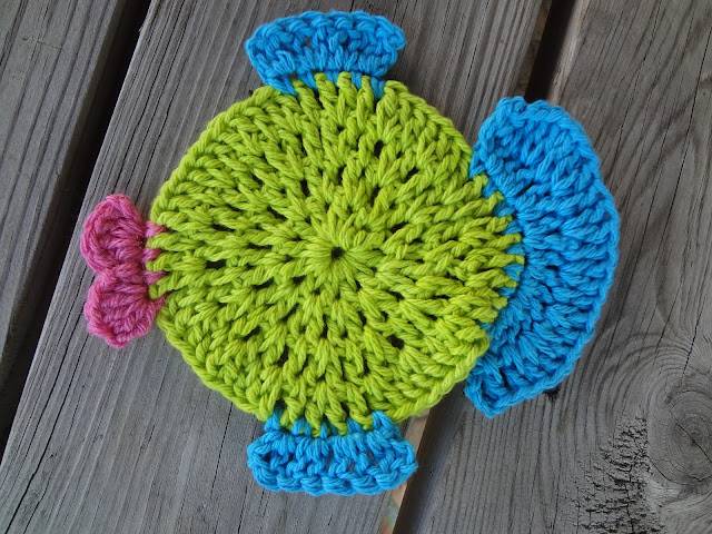 Free Crochet Fish Coaster Pattern : Fiber Flux: Free Crochet Pattern...Fabulous Fish Dishcloth!