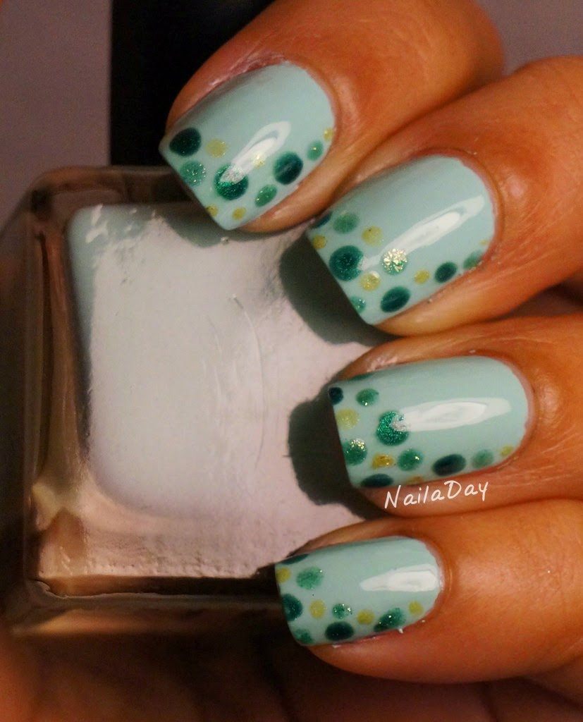 NailaDay: Urban Outfitter Smush with green dots