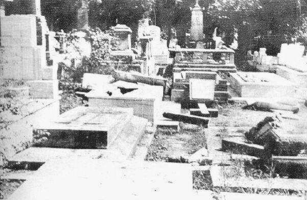Σεπτεμβριανά στο νεκροταφείο Σίσλι