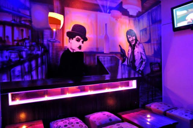 graffiti de izak en pub clandestinos, antofagasta, chile