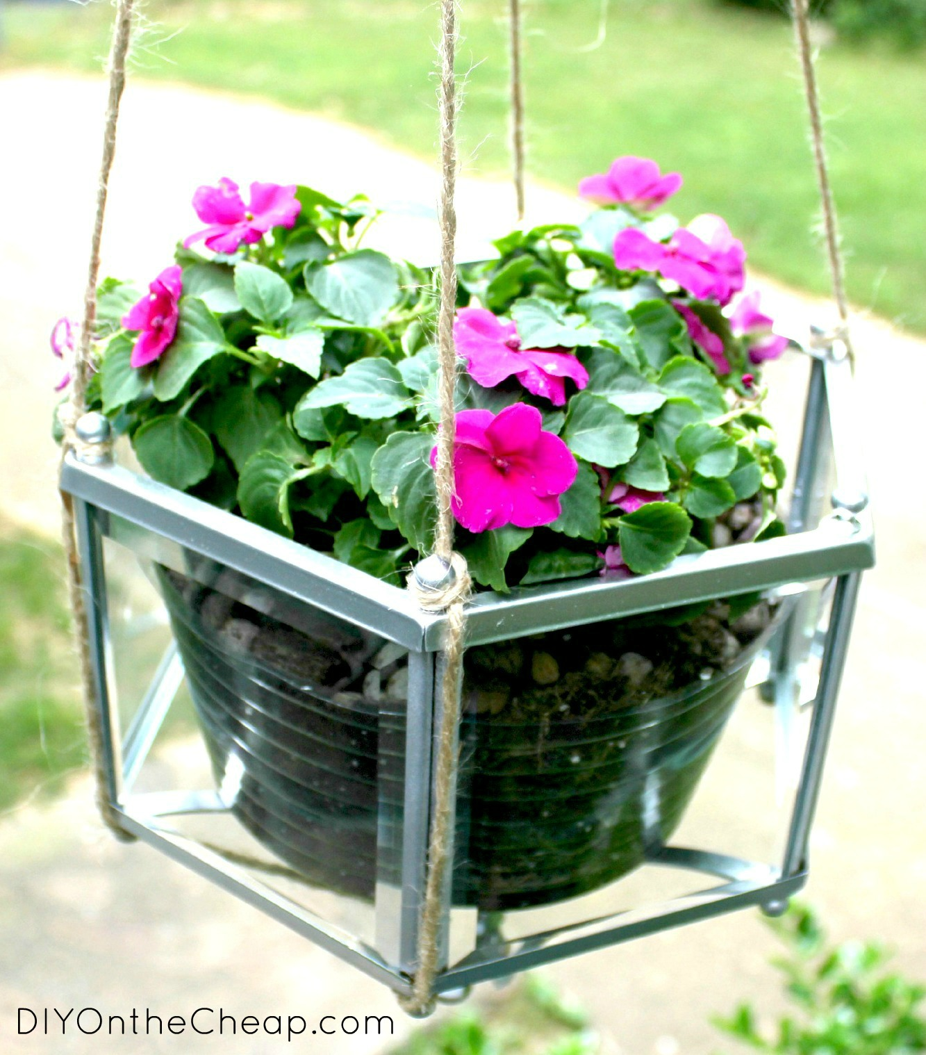 Hanging Light With Planter: Trash To Treasure: Pendant Light Planter