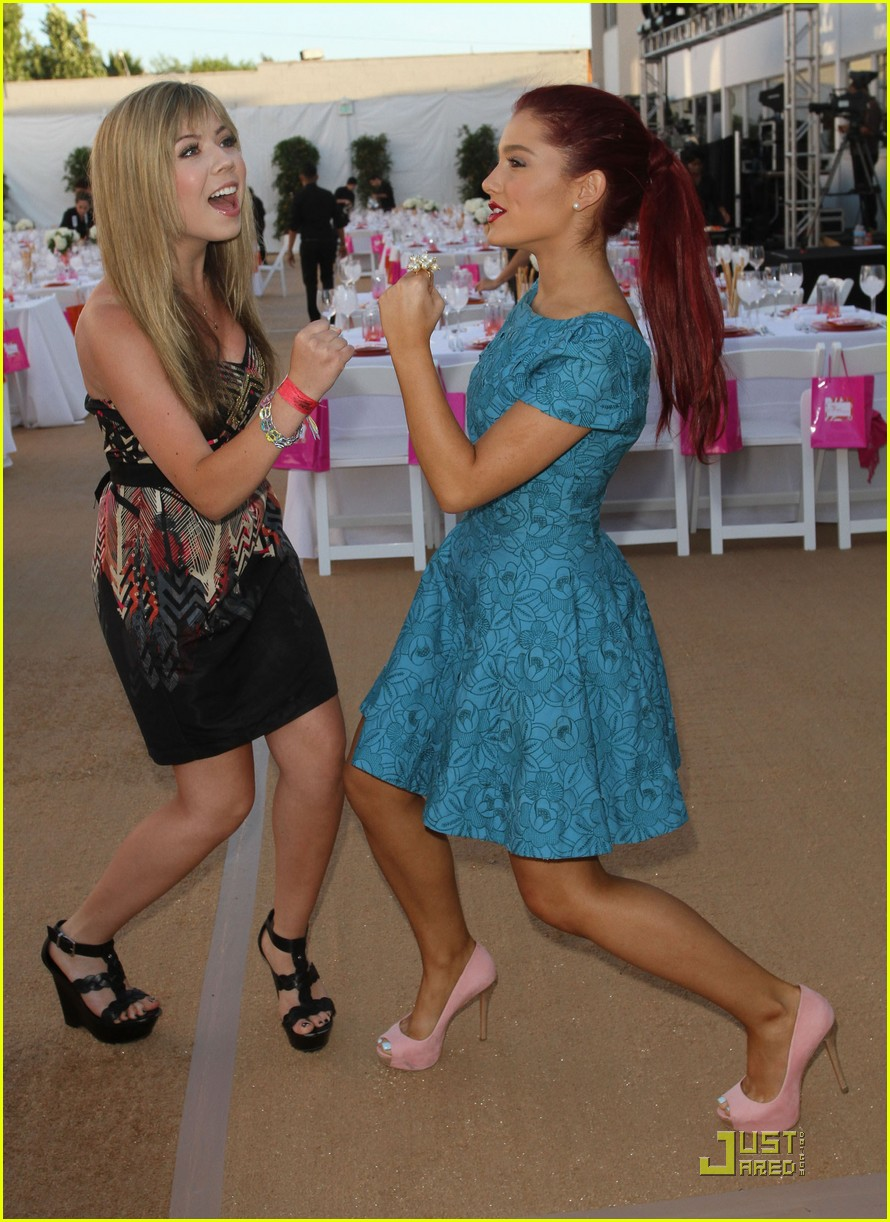 Jennette McCurdy y Grande Ariana: Ángel Awards 2011.
