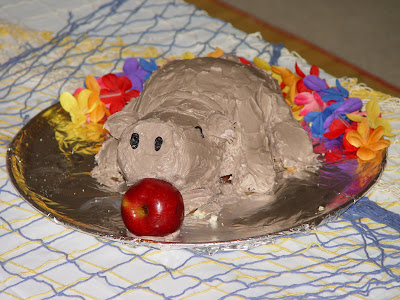 Roasted Pig Luau Cake 2
