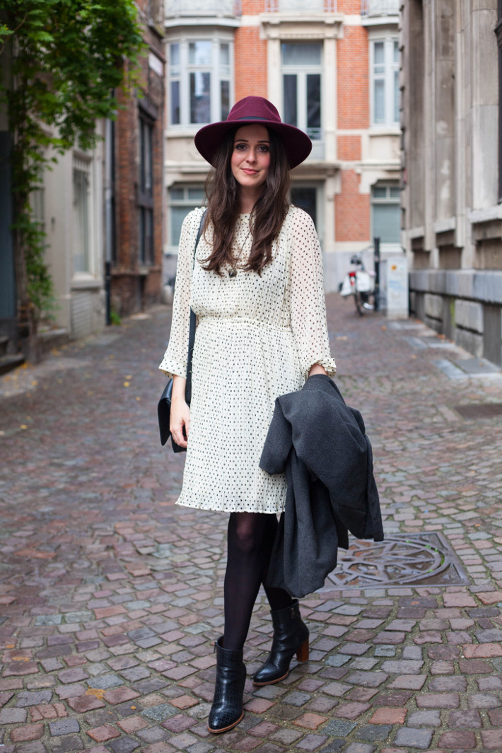 Outfit: French bohémienne in polkadot dress, wide brim hat