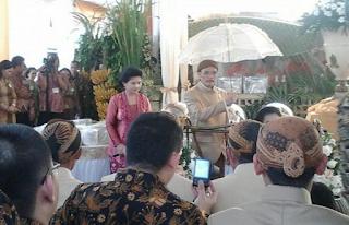 Foto Orang Tua Selvi Ananda Besan Jokowi