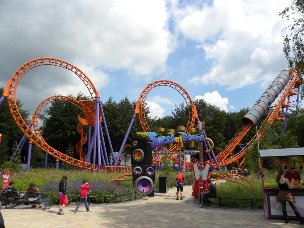 Travels ballroom dancing amusement parks walibi for Amusement park netherlands