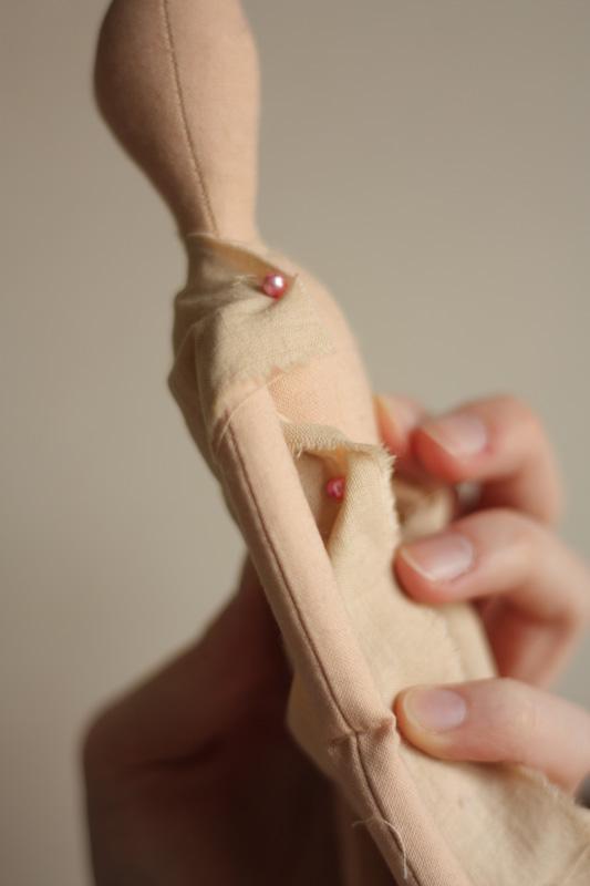 Как сделать выкройку одежды для куклы