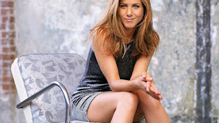 Jennifer Aniston facebook cover wallpaper