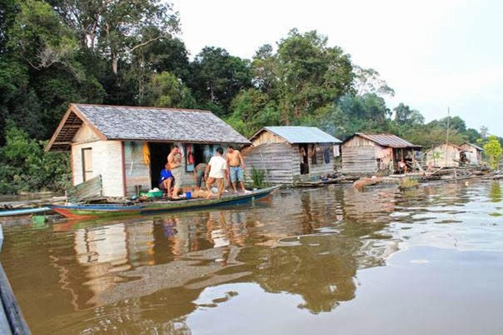 Pemukiman Terapung di Desa Butong