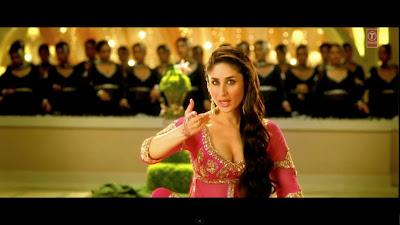 Kareena Kapoor Deep Clavage Pics
