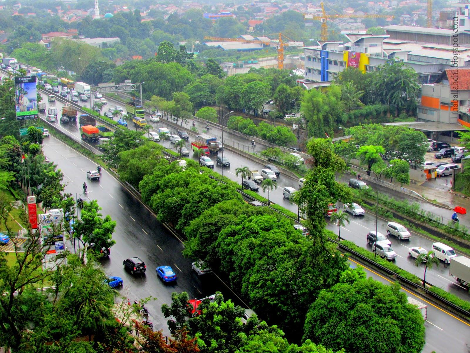 Jakarta s busy and noisy highway