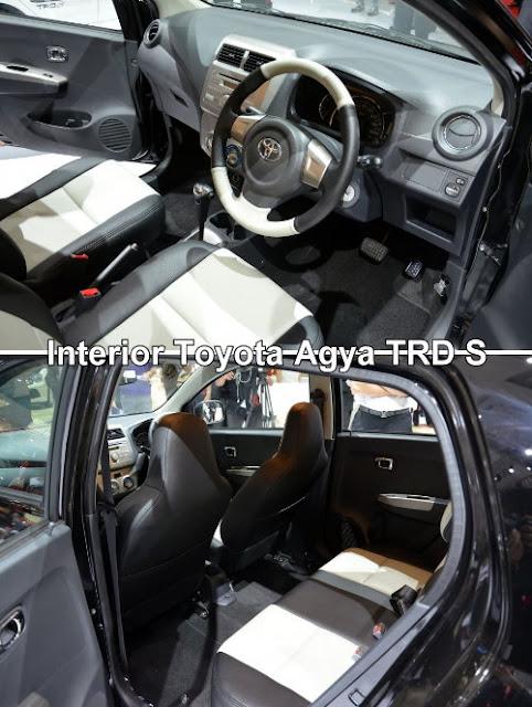 Interior kabin Toyota Agya dihiasi dengan lapisan aksen krom