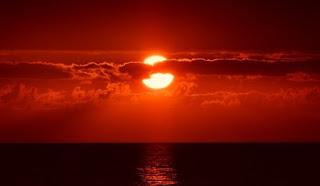 foto del sole al tramonto